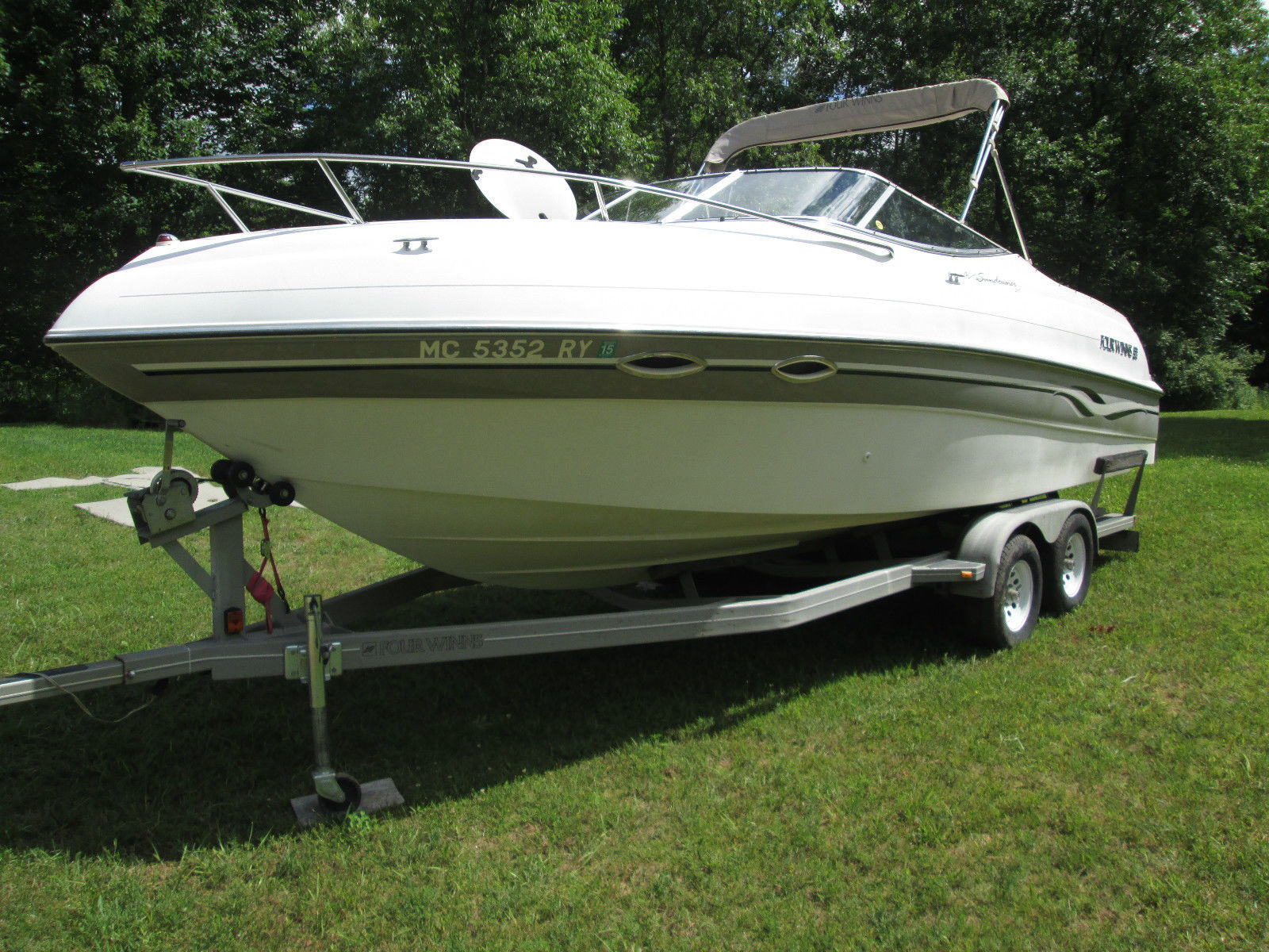 Ohio's Largest Selection of New and Used Pontoon Boats. Sylvan, Starcraft, Manitou, Qwest, Gillgetter, Crest, Sunchaser, Berkshire Pontoon Boats, and Lund Fishing Boats.