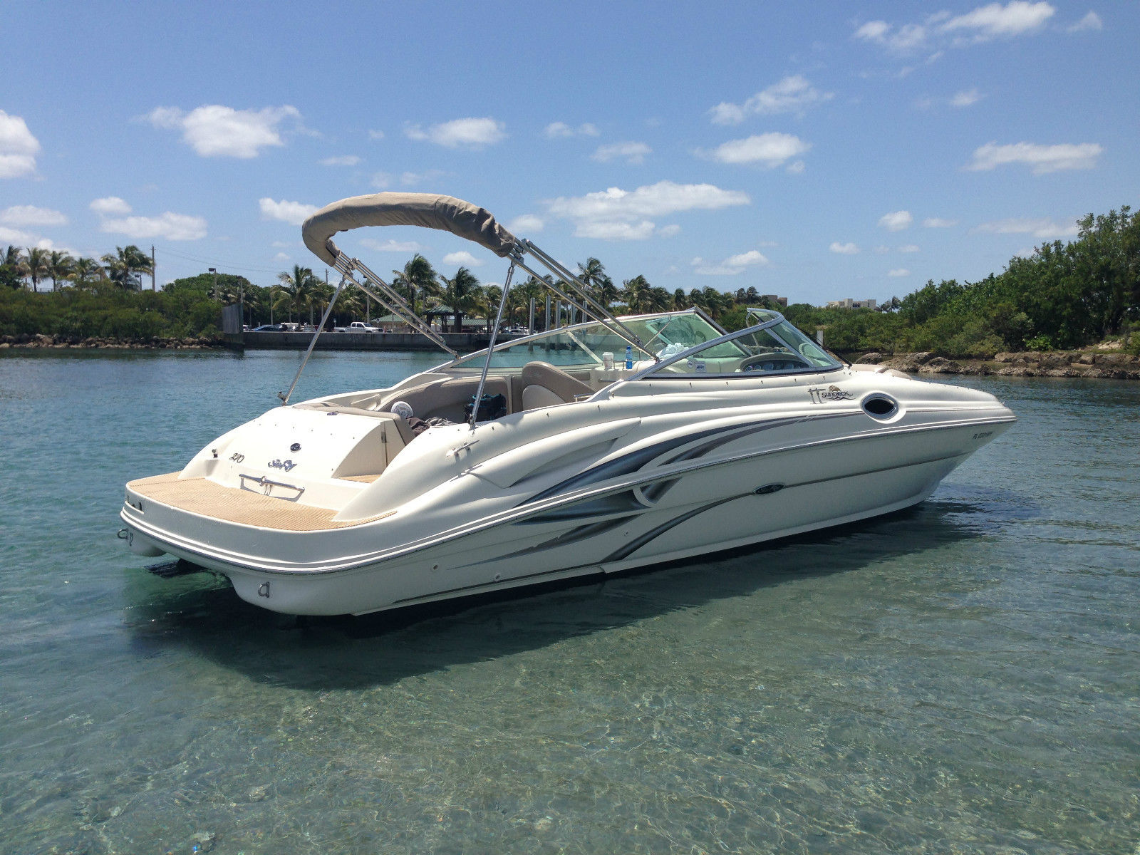 Sea Ray SUNDECK 270 SD
