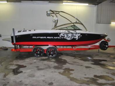 Super Air Nautique 230: Team Edition